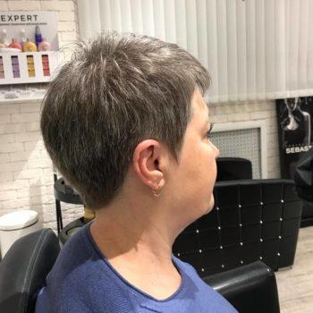 фото Стрижка коротких волос в салоне красоты