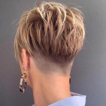 фото Короткие женские стрижки в салоне