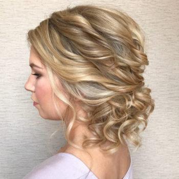 фото Укладки средних волос в студии красоты
