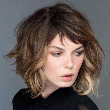 фото Укладки средних волос в парикмахерской