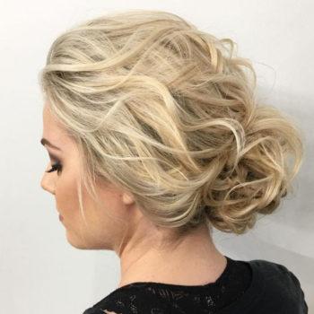 фото Укладки средних волос в салоне красоты