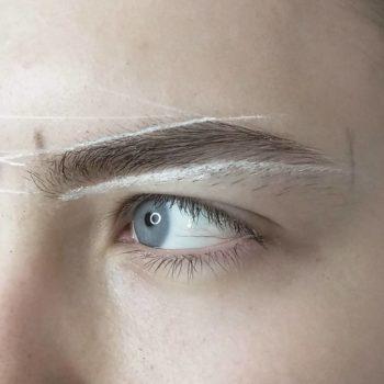фото Коррекция бровей в студии красоты