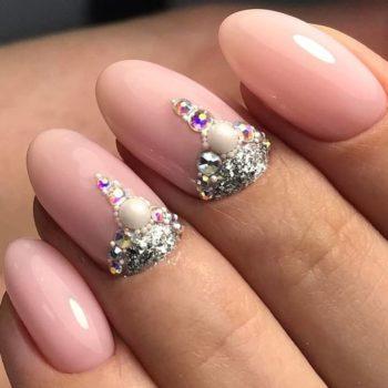 фото Стразы на ногтях в Москве