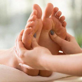 фото Массаж ног в студии маникюра