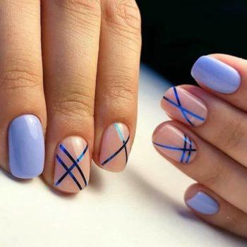 фото Полоски на ногтях в Familyart