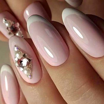 фото Стразы на ногтях недорого