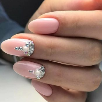 фото Стразы на ногтях на Нагатинской