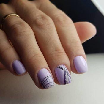 фото Паутинка на ногтях в студии маникюра