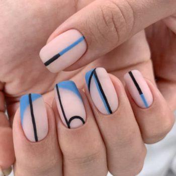 фото Полоски на ногтях на Нагатинской
