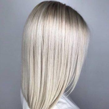 фото Осветление волос в студии красоты