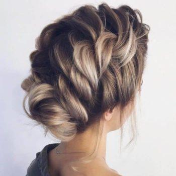 фото Плетение кос в студии красоты