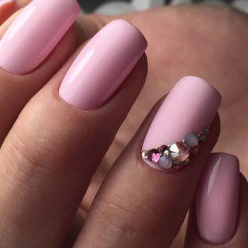 фото Стразы на ногтях на Серпуховской