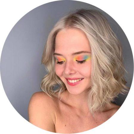 фото Окрашивание волос в салоне красоты на Серпуховской или Нагатинской
